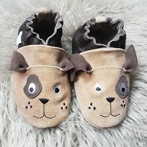 Robeez leather puppy shoes